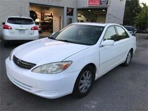 2002 Toyota Camry XLE CUIR TOIT MAGS (GARANTIE 1 ANS INCLUS)