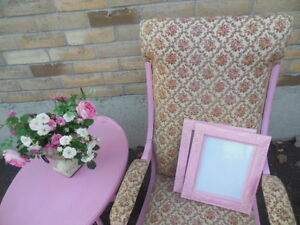 Shabby chic pink frames