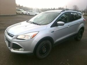 2013 Ford Escape SE, AWD Low KMS, One owner, accident free! LOW