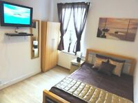 ◘ Impressive double TV room in heart of Stratford! 10 mins to Liverpool St. 10 mins to Docklands ◘
