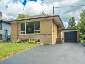 GREAT TORONTO 3+2 BED BUNGALOW! CALL TODAY!