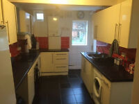 4 Bed house with two bathrooms in Salisbury Rd suitable for family or 4 professionals only