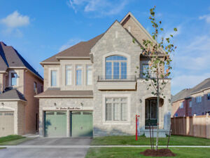 Luxurious 4+3 Bedroom Detached in Vales of Castlemore $1,529,900
