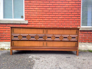 Belle Commode / Buffet Mid Century Vintage