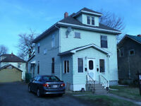 257-259 DOMINION - LARGE, WELL KEPT AND QUICK CLOSING AVAILABLE!