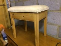 Dressing Table Pine chair, with cream upholstery