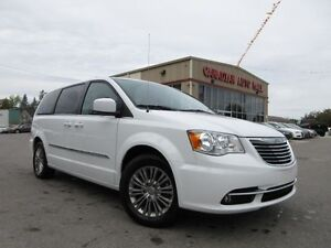 2016 Chrysler Town & Country TOURING, LEATHER, LOADED, 38K!