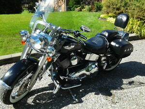 2005 SOFTAIL DELUXE MOTORCYCLE