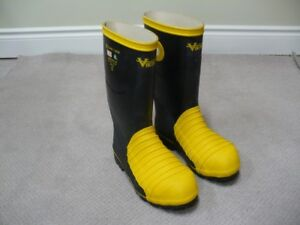 Men's Safety Boots, Size 7 -- Brand New!