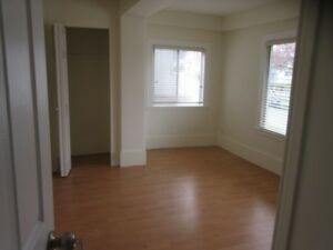 ☀Unfurnished Main Floor House Near Joyce Avail Aug 1 Utils Incl