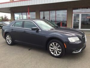 2016 Chrysler 300 AWD LIMITED Leather,  Back-up Cam,  A/C,  Leat