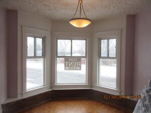 NIAGARA FALLS 1 BEDROOM BIG APT VACAND CAN SHOW NOW