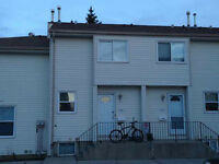 MEYOKUMIN 2 BEDROOM TOWNHOUSE - ONLY $190K!!!!