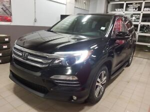 2016 Honda Pilot EX-L AWD Accident Free,  Rear DVD,  Leather,  H