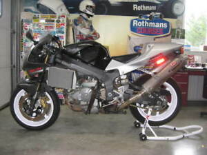 Honda RC51 - complete with spares!!