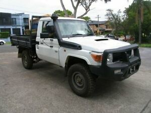 2013 Toyota Landcruiser VDJ79R MY12 Update Workmate (4x4) White 5 Speed Manual Cab Chassis Kingsgrove Canterbury Area Preview