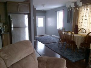 Room for rent – Close to Sunrise Plaza