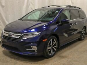 2018 Honda Odyssey Touring w/ DVD, Navigation, Sunroof