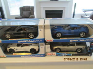 1/18 scale corvettes mint boxed