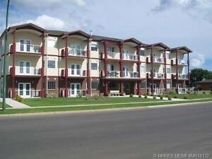 LARGE CONDO IN REDCLIFF!!