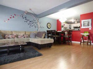 RENOVATED NEWER TOWNHOUSE WITH FULL BASEMENT!