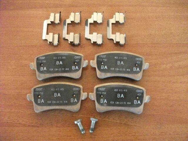 original Audi Bremsbeläge  A5 RS5 S4 S5 Q5 quattro Audi  Bremsklötze 8K0698451D