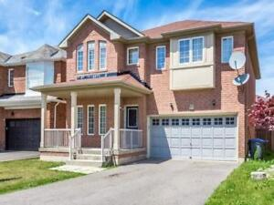 Detached 4 Bedroom Double Car Garage Home In Great Location