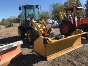 2005 New Holland LW50B Loader with HLA Plow