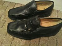 Clarks cushion cell shoes size 9 extra wide, mens