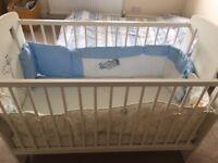 Beautiful Baby Cot Bed White Wooden Giraffe