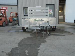 **USED** 5X8 ALUMINUM UTILITY TRAILER - SOLID SIDES, BIFOLD GATE London Ontario image 8