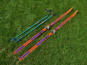 Waxless Cross Country Nordic Skis and Poles