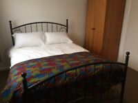 Double room with Own Bathroom and balcony Flat Share near Middlesex University Hendon Church Road