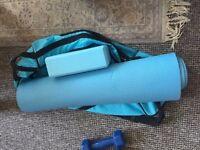 Yoga mat + yoga block