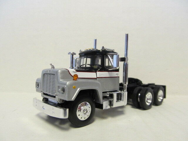 1ST GEAR 1/64 SCALE R MODEL MACK DAY CAB SILVER, BLACK, WHITE  SAME SCALE AS DCP