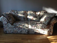 Grand canapé confortable