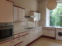 Bright Spacious 3 Bedroom HMO Meadows Flat