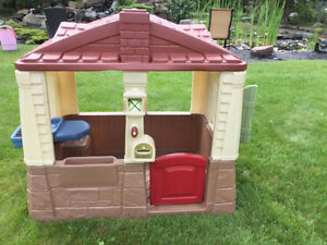 Want a CLEAN Basically New Playhouse inside for Winter?