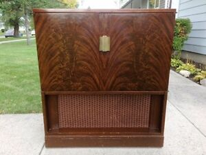 Vintage cool radio and record player cabinet, floor console