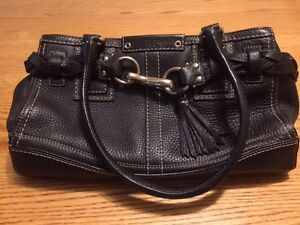 Genuine COACH Purse (Not a Knockoff - the real deal)