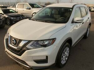 2017 Nissan Rogue : AWD, HEATED SEATS, BACK UP CMAERA!