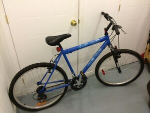 Vélo de montagne neuf à vendre