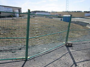 New Green Painted Construction Fencing 6'x10' Panels