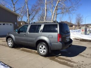 2009 Nissan Pathfinder - Asking $8900