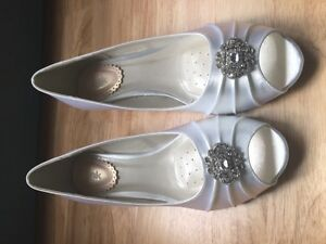 Brand New Never Worn White Satin Wedge Wedding Shoes Peterborough Peterborough Area image 4