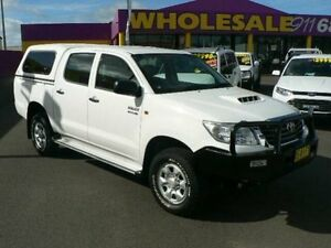 2012 Toyota Hilux KUN26R MY12 SR (4x4) White 5 Speed Manual Dual Cab Pick-up Dubbo Dubbo Area Preview