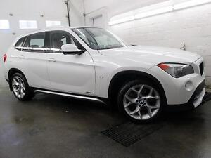 "2012 BMW X1 SPORT PACK MAGS 18"" BLANC PERLE/ROUGE  TOIT 89,900KM"