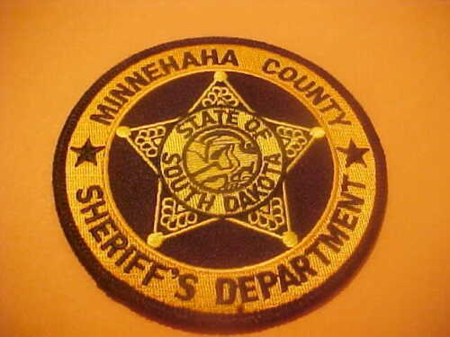 MINNEHHAHA COUNTY SOUTH DAKOTA POLICE PATCH SHOULDER SIZE NEW TYPE 3-  4 X 4 IN.