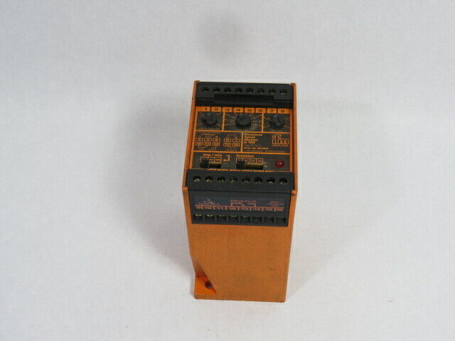 IFM DY-34A-D100 Ratinal Speed Monitor  USED