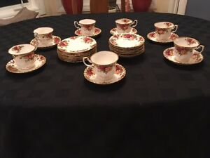 Old Country Rose Porcelin China Tea Set